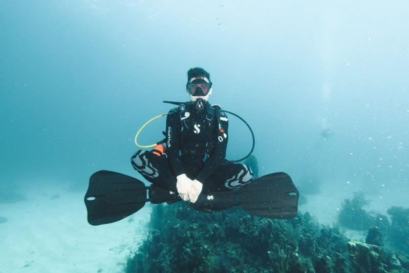 Andrew displaying peak buoyancy